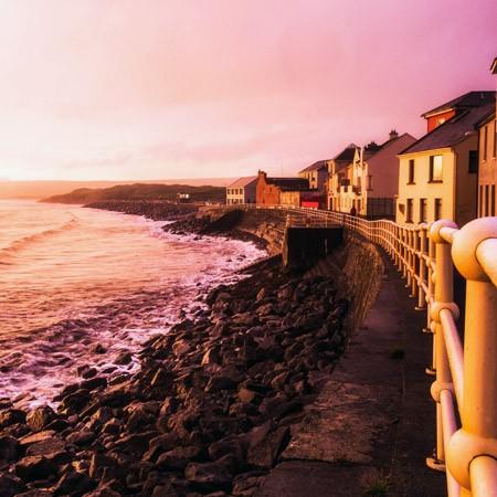 Lahinch Promenade, sea views, activity holidays