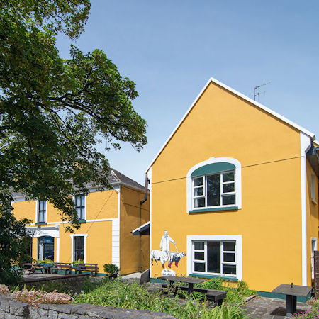 Bright exterior Vaughan's Guesthouse, Accommodation Burren, Ceol and craic