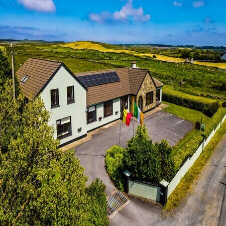 Slieve Elva B&B, accommodation in Clare